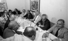 Ulysses no Piantella, onde se reunia com a 'turma do poire', em almoço de apoio a sua candidatura a presidente Foto: Gustavo Miranda 28/04/1989