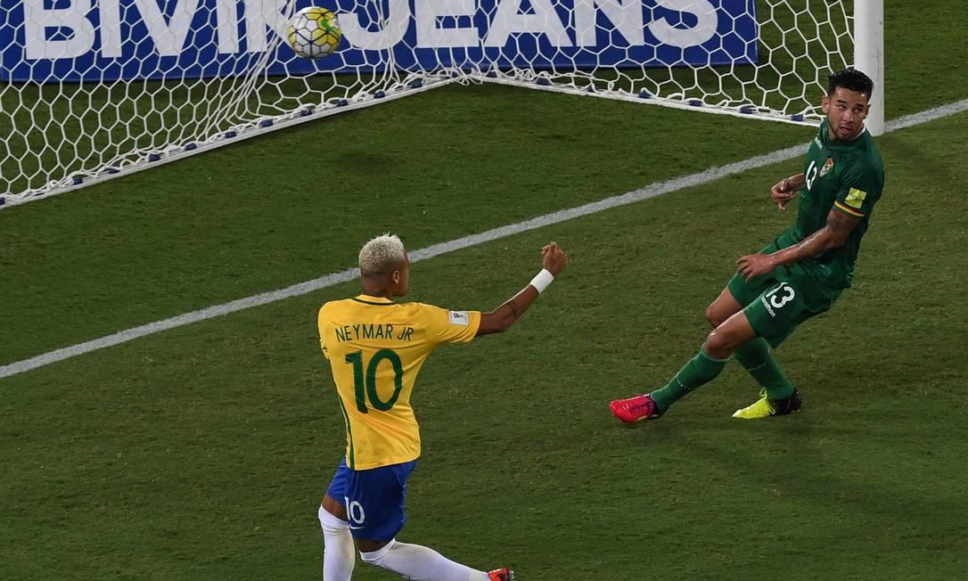 Neymar abriu o placar para o Brasil na Arena das Dunas VANDERLEI ALMEIDA / AFP