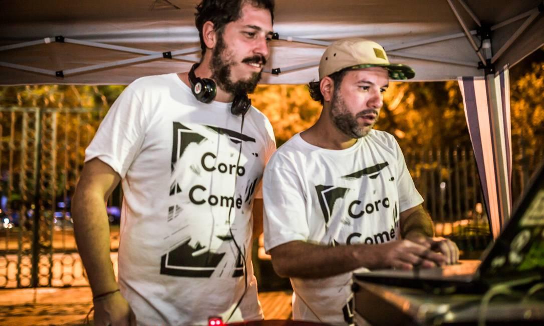 Para quem curte um som descolado, o grupo Maracatu Baque Mulher e os DJs Calani, Alex Paz e Daniel Juca animam a pista ao ar livre Bel Acosta / Divulgação