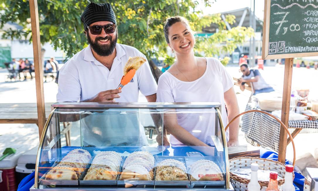 A comida argentina marca presença com as empanhadas portenhas nos sabores napolitana, calabresa e frango. (a partir de R$ 15) Bel Acosta / Divulgação