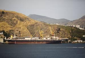 Riqueza crescente. Navio da Petrobras em reparos na Ponta da Areia: royalties cresceram 121,8% em quatro anos Foto: Guilherme Leporace / Guilherme Leporace