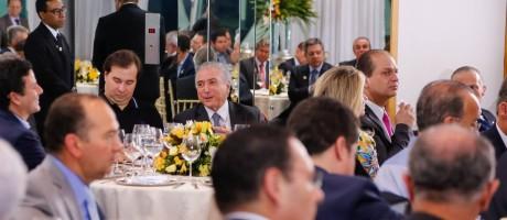 Presidente Michel Temer durante jantar com a base aliada no Paláico da Alvorada Foto: Divulgação
