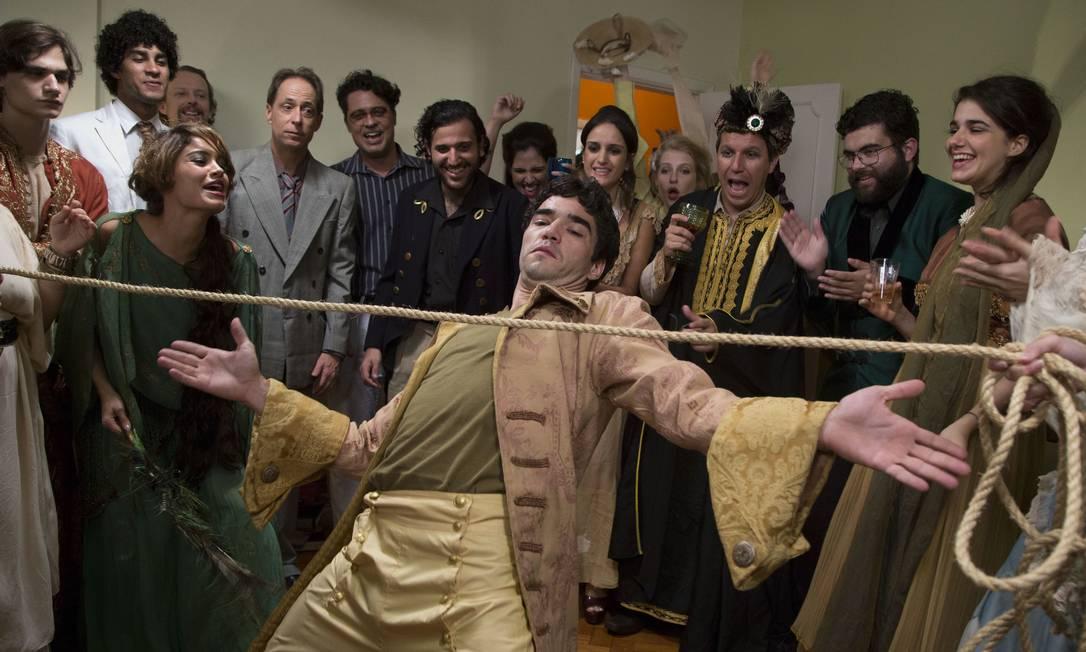 """Caio Blat (centro) e elenco de """"BR 716"""": filme levou quatro prêmios no Festival de Gramado Foto: Divulgação"""