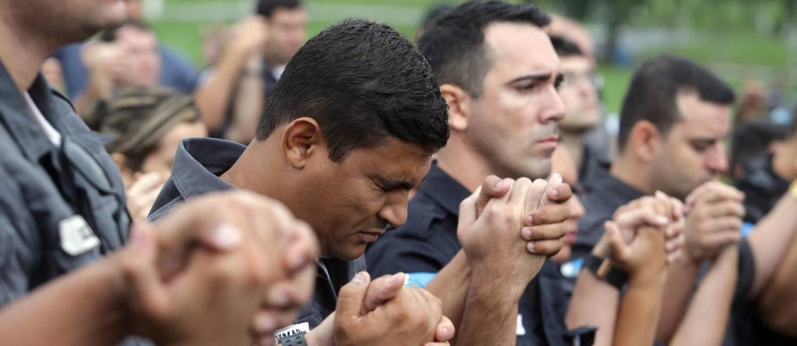 Proposta é para que a reforma fixe a idade mínima de 65 anos para policias militares e bombeiros Foto: Rafael Moraes / Agência O Globo