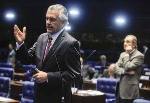 O senador Ronaldo Caiado (DEM-GO), durante pronunciamento no plenário do Senado Foto: Moreira Mariz/Agência Senado 11/10/2016