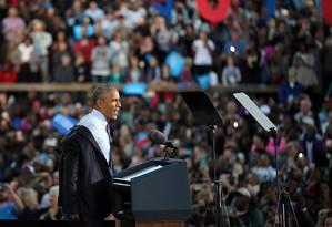 Obama faz campanha para Hillary em Greensboro, Carolina do Norte Foto: CARLOS BARRIA / REUTERS