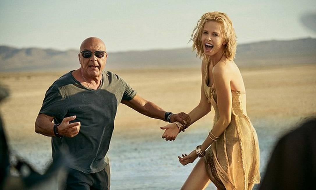 Charlize foi dirigida por Jean-Baptiste Mondino Divulgação / Dior