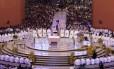 Missa é celebrada no Santuário de Aparecida na manhã desta quarta-feira em homenagem ao dia da padroeira do Brasil