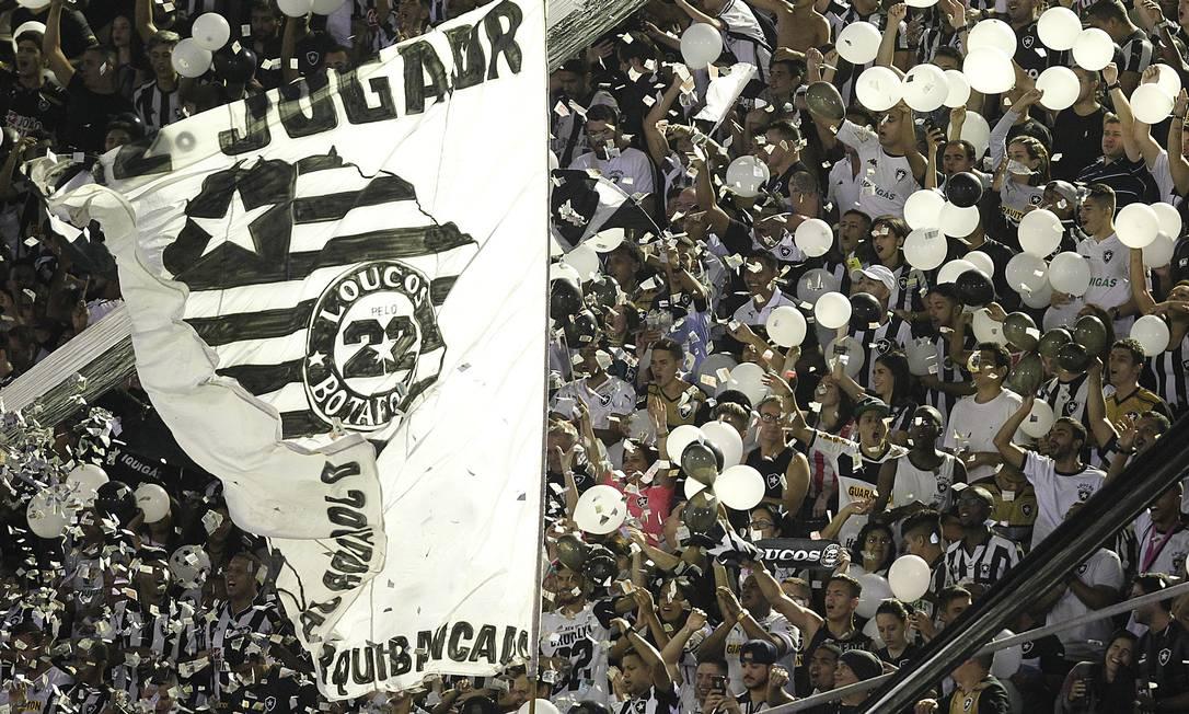 A torcida alvinegra faz festa na Arena Botafogo Vitor Silva/SSPress/Botafogo