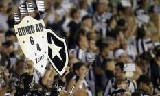 Torcida do Botafogo vive um momento mágico: time saiu da zona do rebaixamento, no 1º turno, para a disputa por vaga na Libertadores, no 2º Foto: Vitor Silva/SSPress/Botafogo / Divulgação