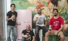 Eduardo Brand (à esquerda) e Raphael Bloise, da Jeffrey, Bruno Mansur, da Hocus Pocus, e João Filipe Rocha, da 3 Cariocas, participam do Mondial Foto: Analice Paron / Agência O Globo