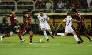 Fluminense x Flamengo em clássico realizado no Raulino de Oliveira Foto: Alexandre Cassiano / Agência O Globo
