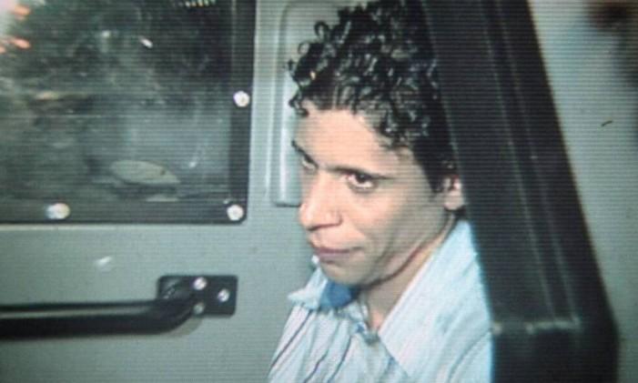 O traficante Nem após ser preso Foto: Reprodução da TV