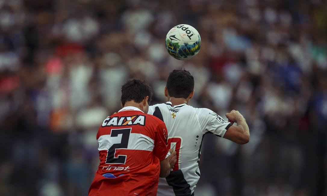 Diante de sua torcida, em São Januário, o Vasco passou vergonha: derrota por 2 a 0 para o CRB Daniel Marenco / Agência O Globo