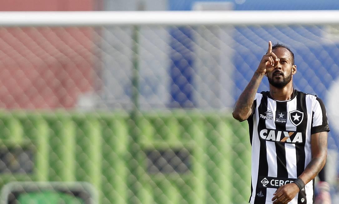 Bruno Silva marcou o primeiro gol do Botafogo na vitória sobre o Atlético-MG na Ilha do Governador Vitor Silva/SSPress/Botafogo / Agência O Globo