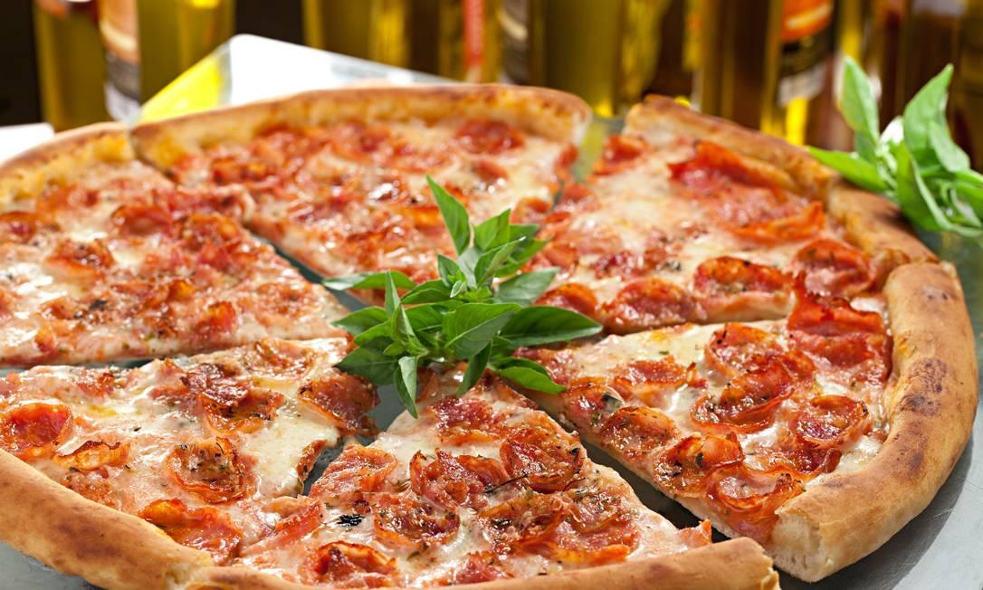 Mamma Jamma. A pizza que leva o nome da casa é a mais pedida: molho de tomate natural, orégano chileno, muzzarella de cura especial, parmesão gratinado e linguiça calabresa artesanal Rodrigo Azevedo / Divulgação