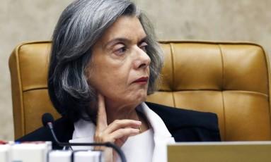 Ministra Carmen Lucia fala no 'Roda Viva' Foto: Jorge William / Agência O Globo