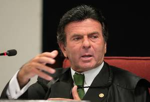 Ministro do STF Luiz Fux, relator, no julgamento de embargos infringentes na Ação Penal 470 Foto: Gervásio Baptista / STF