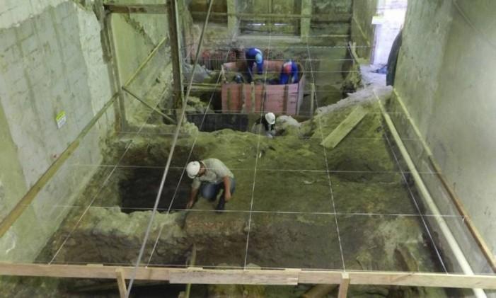 Terreno na Primeiro de Março: sítio arqueológico que data da época da fundação do Rio Foto: Divulgação