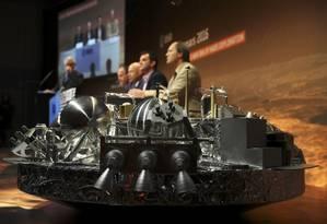 Réplica do módulo Schiaparelli exposta na sede da ESA Foto: KAI PFAFFENBACH / REUTERS