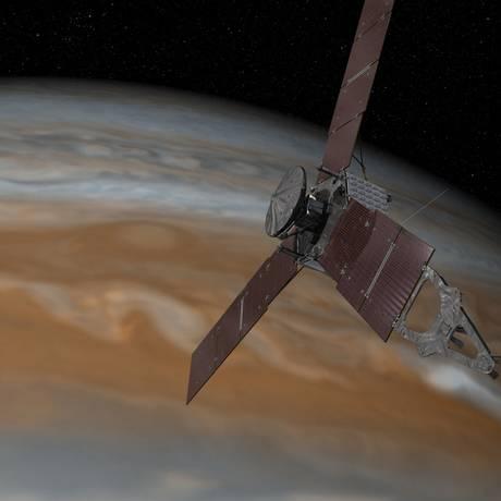 Ilustração mostra a sonda Juno com Júpiter ao fundo Foto: NASA
