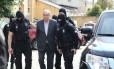 Eduardo Cunha chega ao IML de Curitiba para fazer exame de corpo de delito