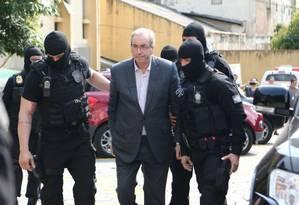 Eduardo Cunha chega ao IML de Curitiba para fazer exame de corpo de delito Foto: Geraldo Bubniak/ Agência O Globo