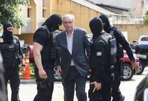 Ex-presidente da Câmara Eduardo Cunha chega ao Insituto Médico Legal de Curitiba Foto: Geraldo Bubniak / Agência O Globo