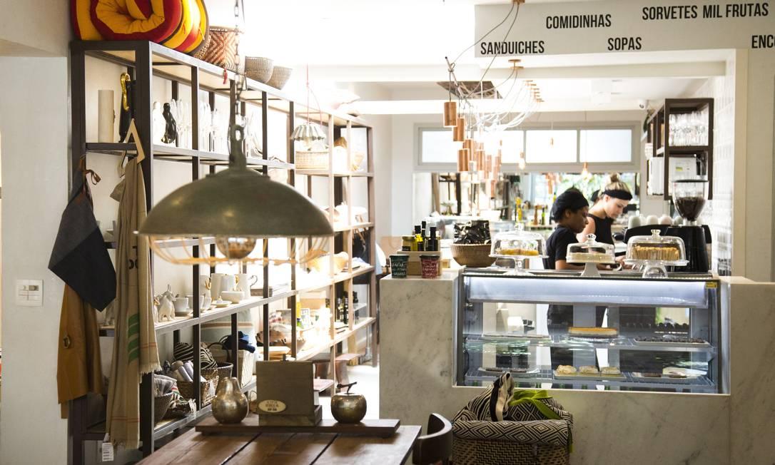Num clima de casa, o lugar é ideal para um lanchinho trivial ou um almoço descomprometido Mônica Imbuzeiro / Agência O Globo
