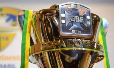 O troféu da Copa do Brasil Foto: Divulgação CBF