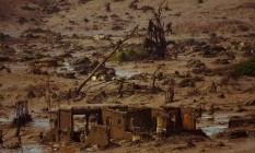 Distrito de Bento Rodrigues, em Mariana. A enxurrada de lama destruiu centenas de imóveis. Foto: Daniel Marenco / Agência O Globo / Arquivo / 06/11/2015
