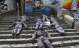 Ato em frente à Alerj foi um protesto contra as 91 mortes de policiais no Rio em 2016 Foto: Marcelo Carnaval / Agência O Globo