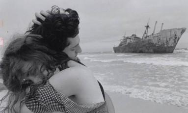 """Cais. Fernando Alves Pinto e Fernanda Torres em """"Terra estrangeira"""", de 1996 Foto: Divulgação"""