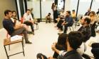 Freixo em reunião com empreendedores na Glória, na Zona Sul do Rio de Janeiro Foto: Agência O Globo / Gabriel de Paiva
