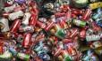 Latinhas de refrigerante a caminho de reciclagem Foto: Fred Bailoni