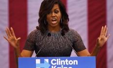 Michelle Obama discursa em favor de Hillary Clinton em Phoenix Foto: MARK RALSTON / AFP