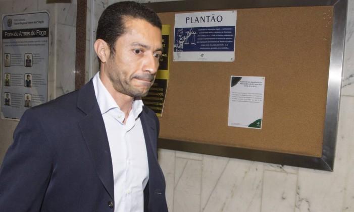 O lobista Fernando Soares, conhecido como Fernando Baiano, cumpre prisão domiciliar desde novembro de 2015, um ano depois de ter sido preso. Em novembro, irá para o regime semiaberto Foto: Antonio Scorza / Agência O Globo
