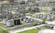 Batalha judicial. A Refinaria de Manguinhos: empresa está cobrando indenização da Petrobras Foto: Pablo Jacob/15-10-2012