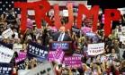 Trump é saudado por eleitores em comício na Pensilvânia Foto: Thomas Slusser / AP