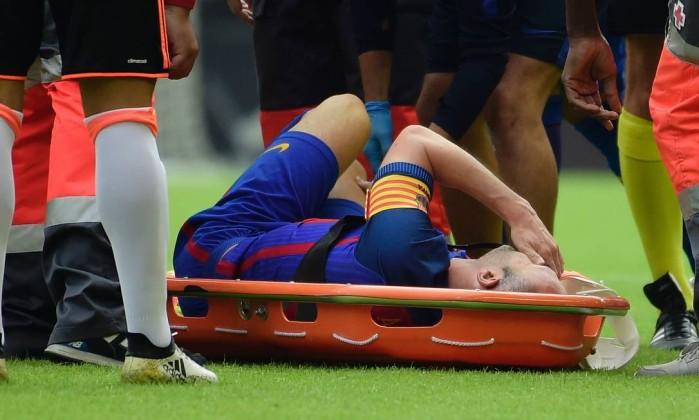 Barcelona sofre, mas vence Valencia com gol nos acréscimos