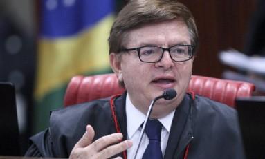 Ministro Herman Benjamin durante sessão plenária do TSE Foto: Roberto Jayme / TSE / Arquivo / 20/10/2016
