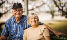 União duradoura. Alexandre e Agostinha Szabo estão casados há 65 anos. Estão aposentados e trabalhavam juntos na lanchonete que o casal tinha em Nova Friburgo Foto: Bárbara Lopes