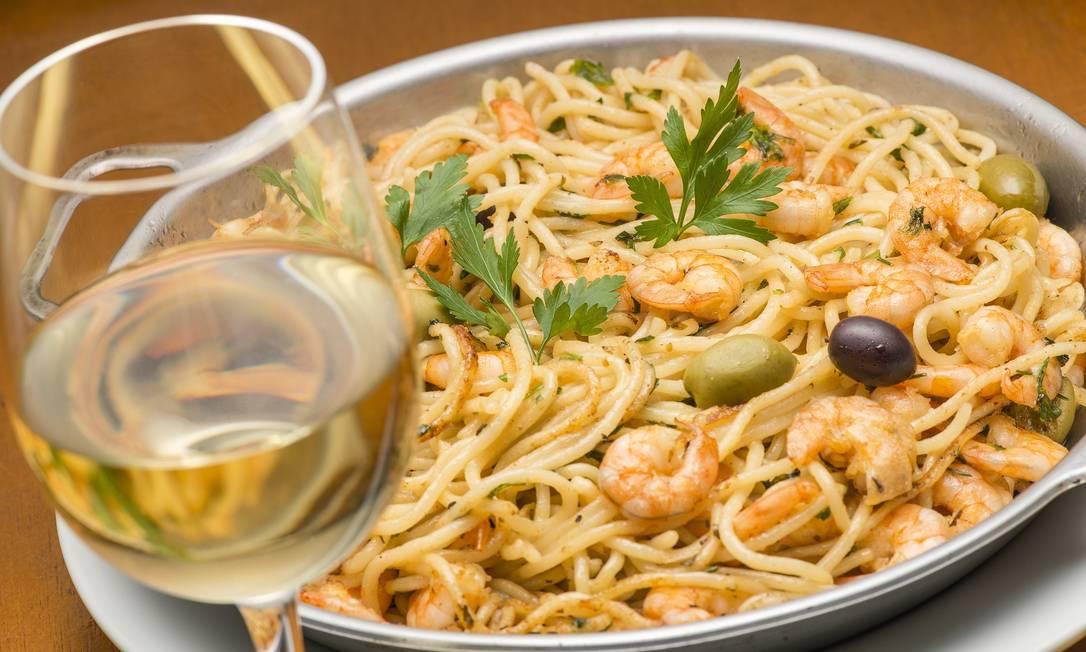 Bar Urca. Para não perder a tradição, o macarrão é comfrutos do mar: espaguete com frutos do mar (R$142) Sérgio Greif / Divulgação