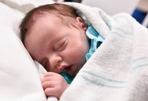 Lynlee foi retirada do útero de sua mãe para uma cirurgia emergencial, antes de nascer três meses depois Foto: PAUL V. KUNTZ/TEXAS CHILDREN'S HOSPITAL