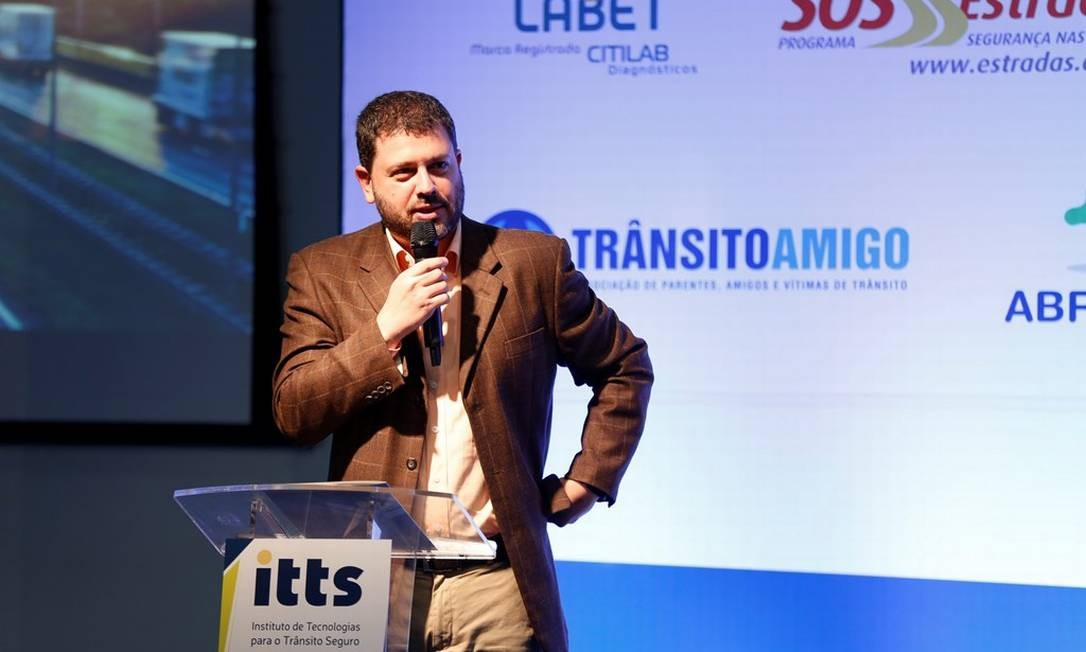 O jornalista Pedro Doria conduziu o evento Foto: Marcelo de Jesus