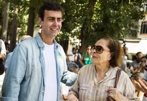 O candidato do PSOL, Marcelo Freixo, durante ato de campanha no Largo do Machado Foto: Bárbara Lopes / Agência O Globo