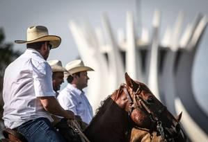 Milhares protestaram em Brasília contra decisão do Supremo Tribunal Federal (STF) que tornou prática ilegal Foto: ANDRE COELHO / Agência O Globo