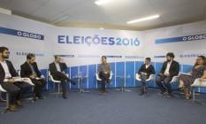 Marcelo Freixo e editores durante sabatina O Globo Foto: ANTONIO SCORZA / Agência O Globo