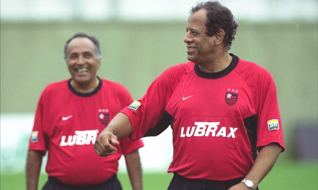 Carlos Alberto Torres durante passagem como técnico do Flamengo, em 2001. Antes, ele já havia treinado o rubro-negro na década de 80 Hipólito Pereira / O Globo