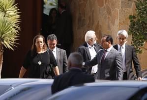 Parlamentares da oposição participam de encontro com Rodrigo Maia Foto: Jorge William / Agência O Globo